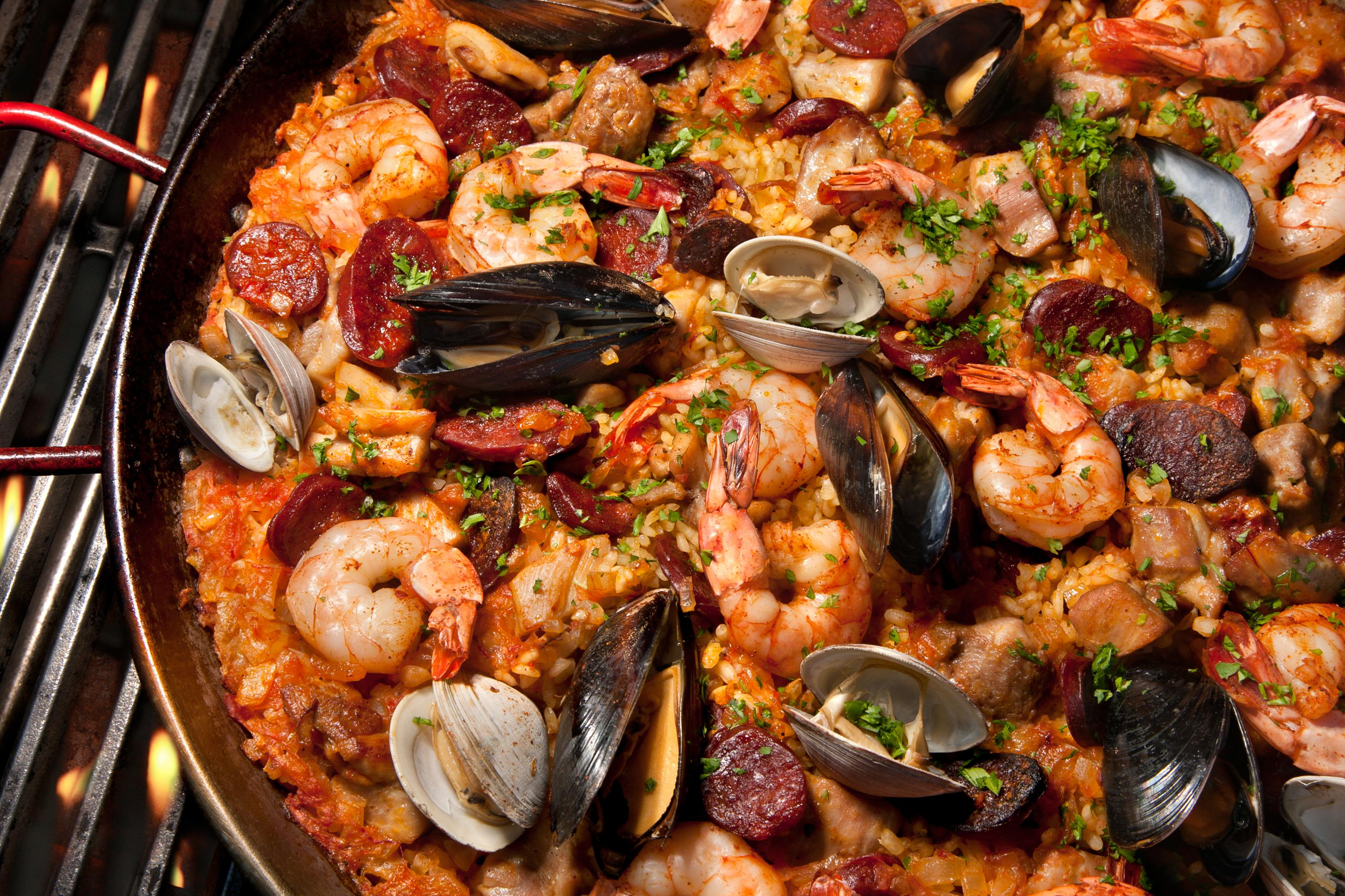 pan full of paella